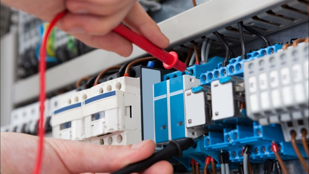 FM ELECTRICAL ENGINEERING SERVICES LTD ( LOCAL ELECTRICIANS)